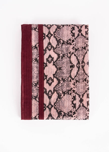 Foulard imprime python bords francs rose femme
